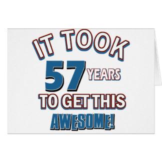 Cartão Design do aniversário das pessoas de 57 anos