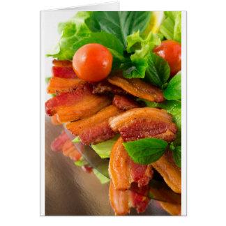 Cartão Detalhe de uma placa do tomate fritado do bacon e