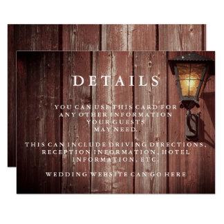 Cartão Detalhes vermelhos do convidado do casamento do