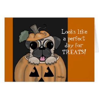 Cartão Dia das bruxas-Pug feliz na lanterna de Jack O