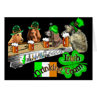 Cartão Dia de São Patrício irlandês da equipe do bebendo