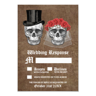 Cartão Dia do casal inoperante do crânio que Wedding