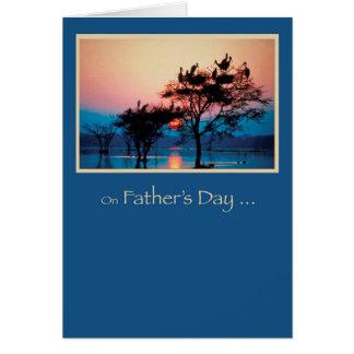 Cartão Dia dos pais, árvores na água, pássaros Religio do