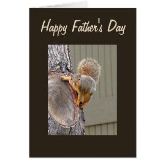 Cartão Dia dos pais feliz da fotografia do esquilo