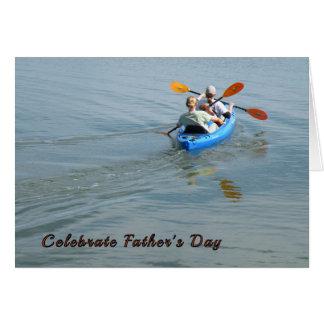Cartão Dia dos pais que Kayaking