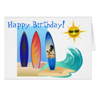 Cartão Dia legal no aniversário surfando da prancha da