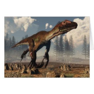 Cartão Dinossauro de Utahraptor no deserto - 3D rendem