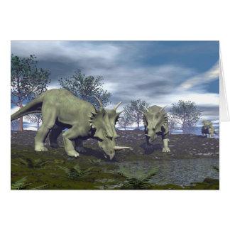 Cartão Dinossauros do Styracosaurus que vão molhar - 3D