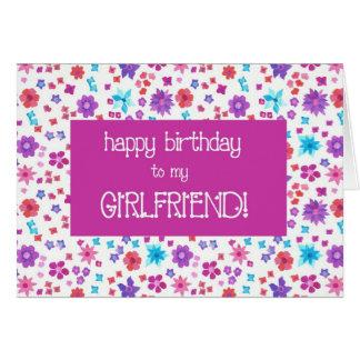 Cartão Ditsy bonito floral para um aniversário do