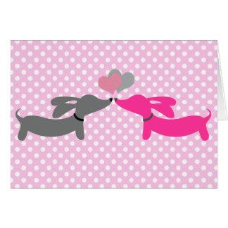 Cartão do amor & dos corações do cão do Wiener do