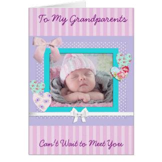 Cartão do anúncio do nascimento do bebé para avós