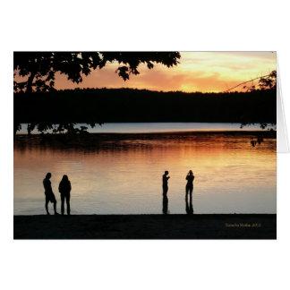"""Cartão do céu ocidental sereno"""" da lagoa de Walden"""