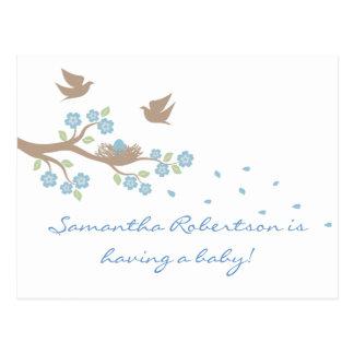 Cartão do chá de fraldas do ninho dos pássaros