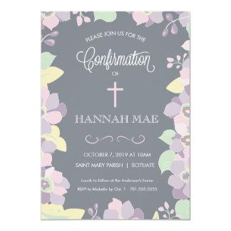 Cartão do convite da confirmação com flores & cruz