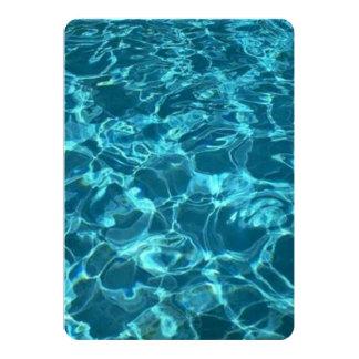 Cartão do convite da festa na piscina