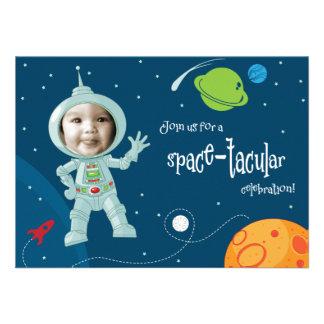 Cartão do convite do aniversário do astronauta do