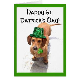 Cartão do Dachshund do dia de St Patrick feliz