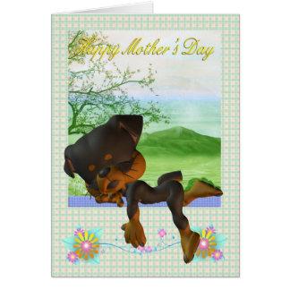 Cartão do dia das mães, com pouco cão de Rottweile