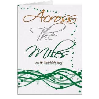Cartão do dia de St Patrick - através das milhas