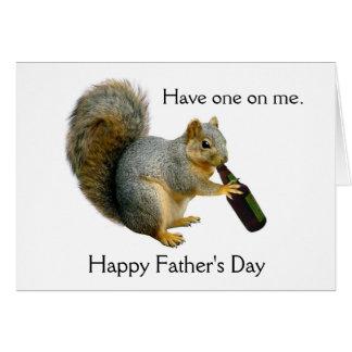 Cartão do dia dos pais da cerveja do esquilo