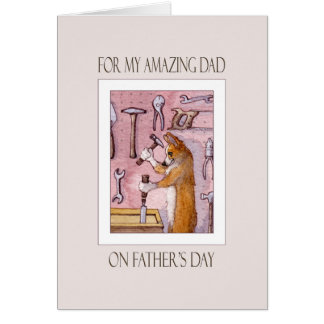 Cartão do dia dos pais, pai, cão do Corgi em sua