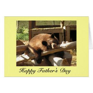 Cartão do dia dos pais - urso Cub de relaxamento