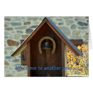 Cartão do feliz aniversario: Boa vinda a um outro