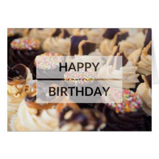 Cartão do feliz aniversario do bolo