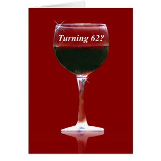 Cartão do feliz aniversario do vinho tinto 62nd