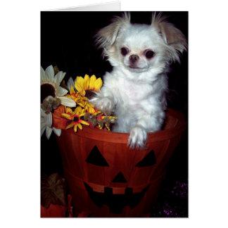 Cartão do filhote de cachorro do Dia das Bruxas
