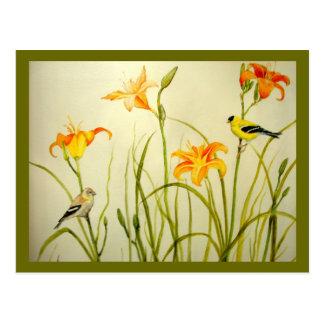 Cartão do Goldfinch e do impressão de Daylillies