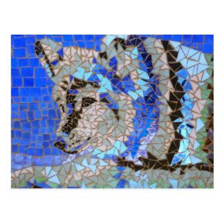Cartão do lobo do mosaico por Willowcatdesigns Cartão Postal