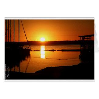 Cartão do nascer do sol do lago
