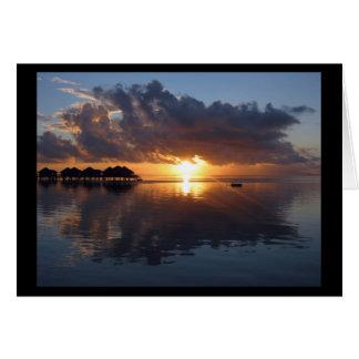 Cartão do por do sol de Huahine