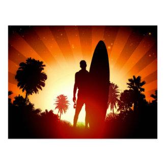 Cartão do por do sol do surfista