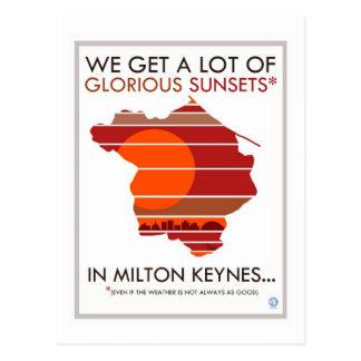 Cartão do pôr do sol glorioso de Milton Keynes