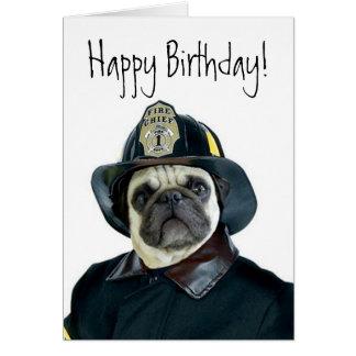 Cartão do pug do bombeiro do feliz aniversario