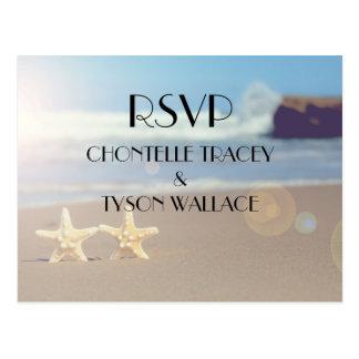 cartão do rsvp do casamento de praia cartão postal