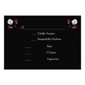 Cartão do rsvp dos rosas vermelhos e brancos convites