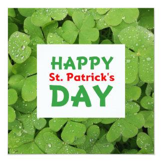 Cartão do trevo do dia de St Patrick feliz