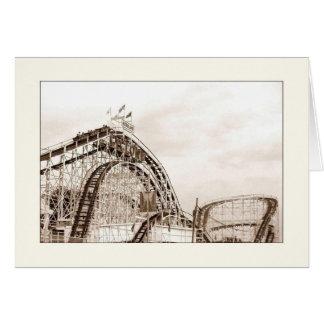 Cartão do vazio do roller coaster do ciclone