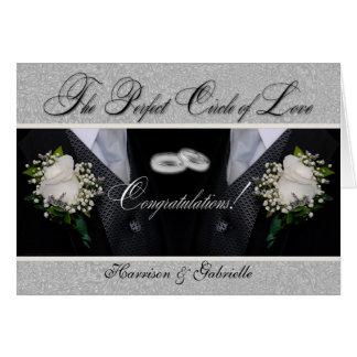 Cartão Dois casamento alegre dos noivos | ou Tuxes civis