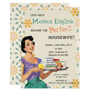 Cartão Dona de casa retro dos anos 50 do chá de panela