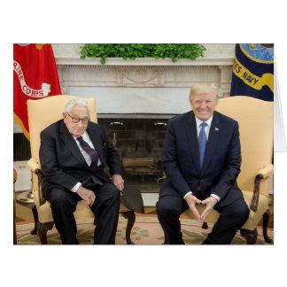 Cartão Donald Trump com Henry Kissinger