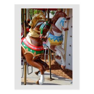 Cartão dos cavalos do carrossel