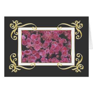 Cartão dos rosas do quadro do ouro
