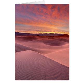 Cartão Dunas de areia cor-de-rosa, o Vale da Morte, CA