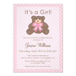 Cartão É um chá de fraldas cor-de-rosa bonito da menina