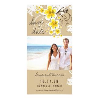 Cartão Economias amarelas do casamento de praia do
