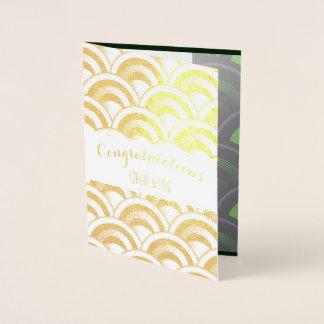Cartão elegante do casamento da folha de ouro do